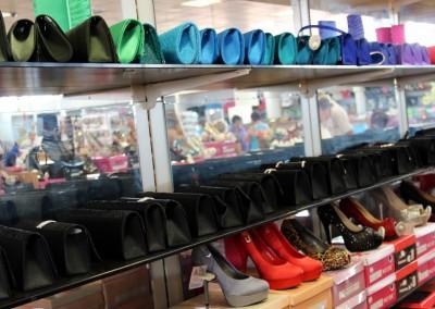 Ázsia Kincse Áruház női cipő, táska